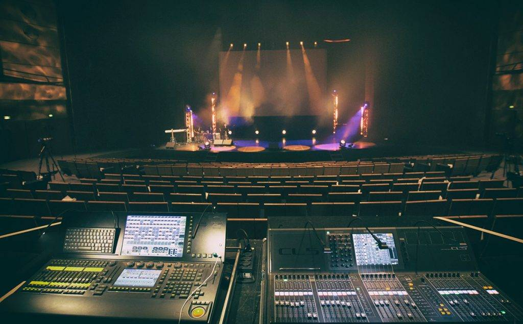 Iminance - Sonorisation - Maison de la culture Amiens - BlackMagic - Régie - Scène - Spectacle - Ingénieur son - Musique - Concert - Micro - Musicien - Structure - Lumière - Mise en lumière - Scénographie